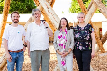 Ministres au stand du Wood Cluster
