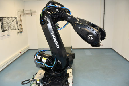 Robotic arm used in the joint laboratory of LIST and Gradel